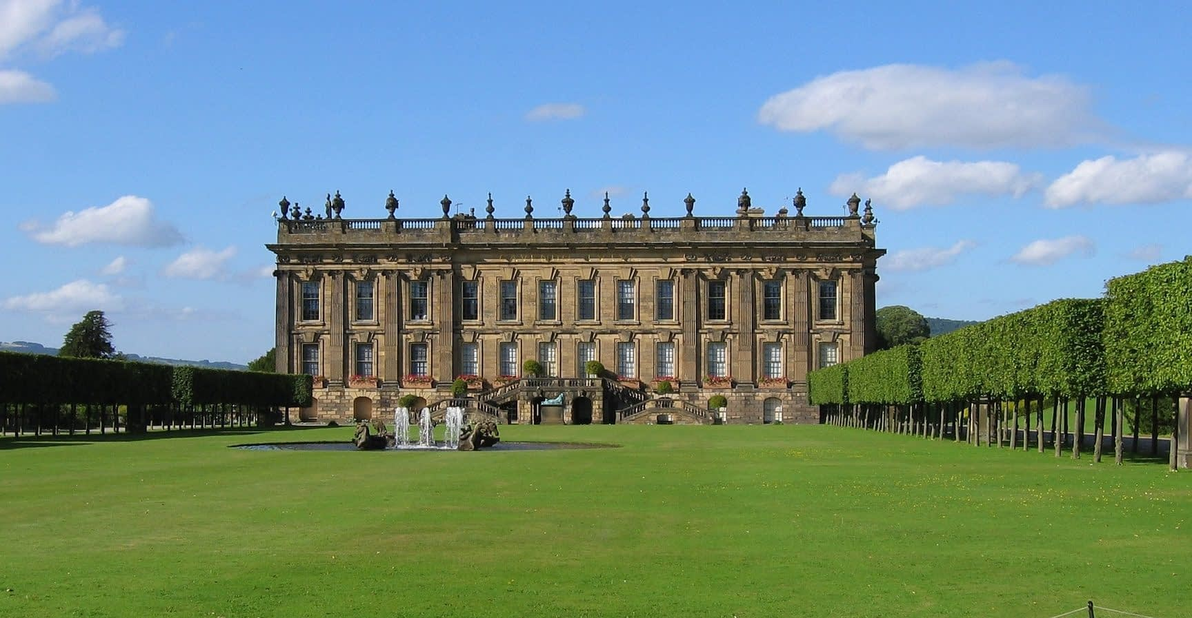 chatsworth House 10 best places to visit in the Peak District