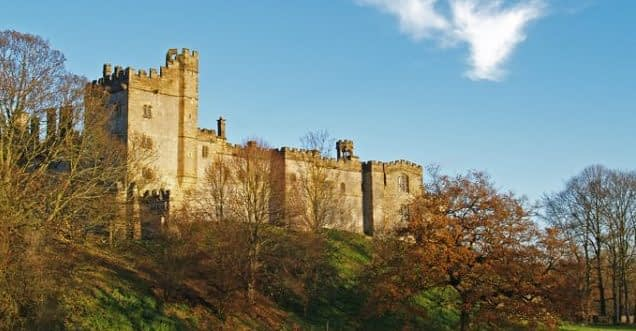 Haddon Hall 10 best things to visit in the Peak District